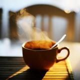 Thưởng thức hương vị nồng nàn với Tách cà phê bằng Gốm sứ