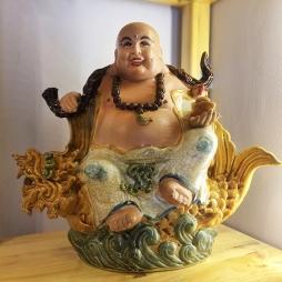 Tượng Phật Di Lặc cá chép bằng sứ - S3