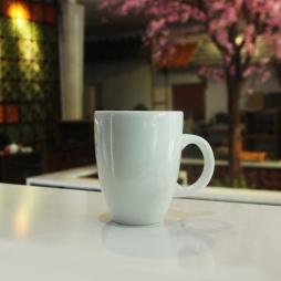 Tách cà phê Latte ý quai C men trắng