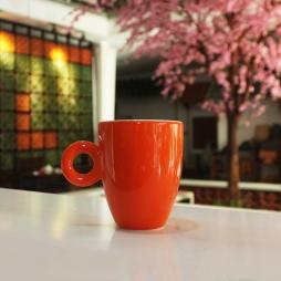 Tách cà phê Latte ý men cam quai tròn