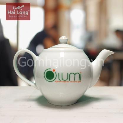 Ấm trà bằng sứ in logo thương hiệu OLUMI (Trắng)