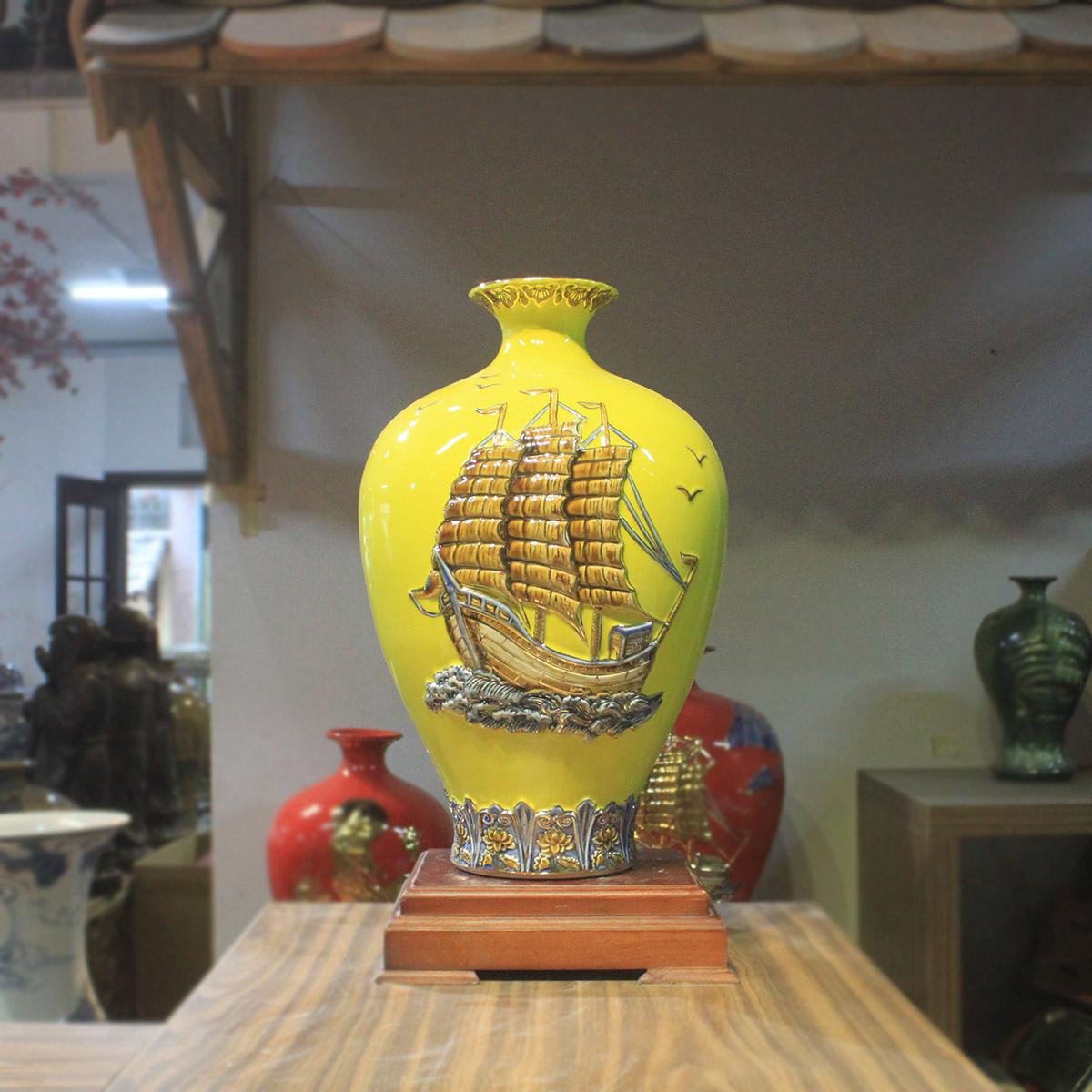 bình gốm phong thủy cho người mệnh kim