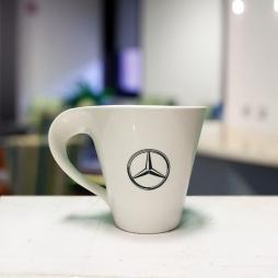 Ca sứ quai xoắn in logo Mercedes (Trắng)