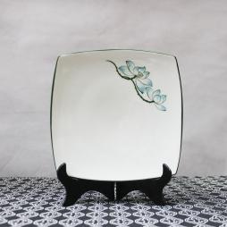 Đĩa sứ vuông Sen xanh vẽ tay (Trắng)